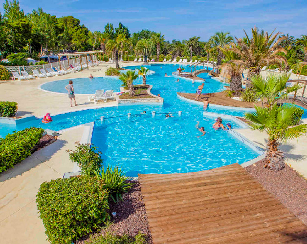 camping luxe champs blancs
